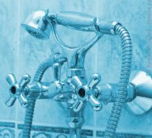 Duschabtrennung Badewanne: 4 Alternativen vorgestellt
